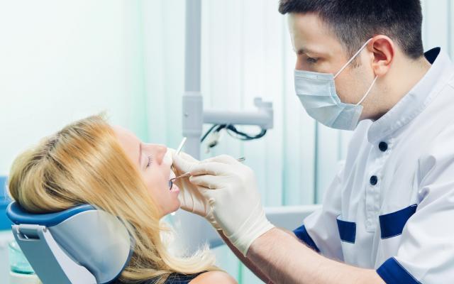 تسوّس الأسنان لدى البالغين